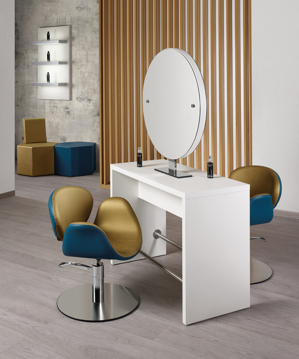 Hairdressing chair: Amber - In foto: SH/430-4/R - Colore A: Aqua Satin H2 / B: Milk 61 - Salon Ambience