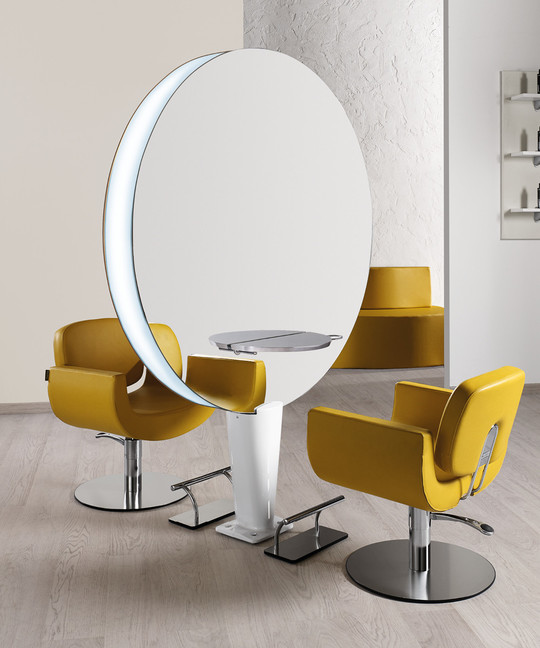 Hairdressing chair: Naomi - In foto: CH/180-4/S - Colore A e B: Honey L1 - Salon Ambience
