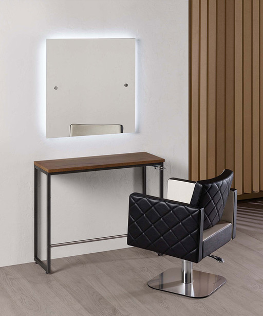 Hairdressing mirror: London - Salon Ambience